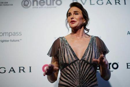 Caitlyn Jenner posa durante evento em Los Angeles