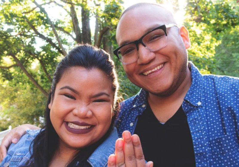 Blogging couple Jen Phanomrat and Leo Samanamud have been trolled for their enagement ring. [Photo: Instagram]