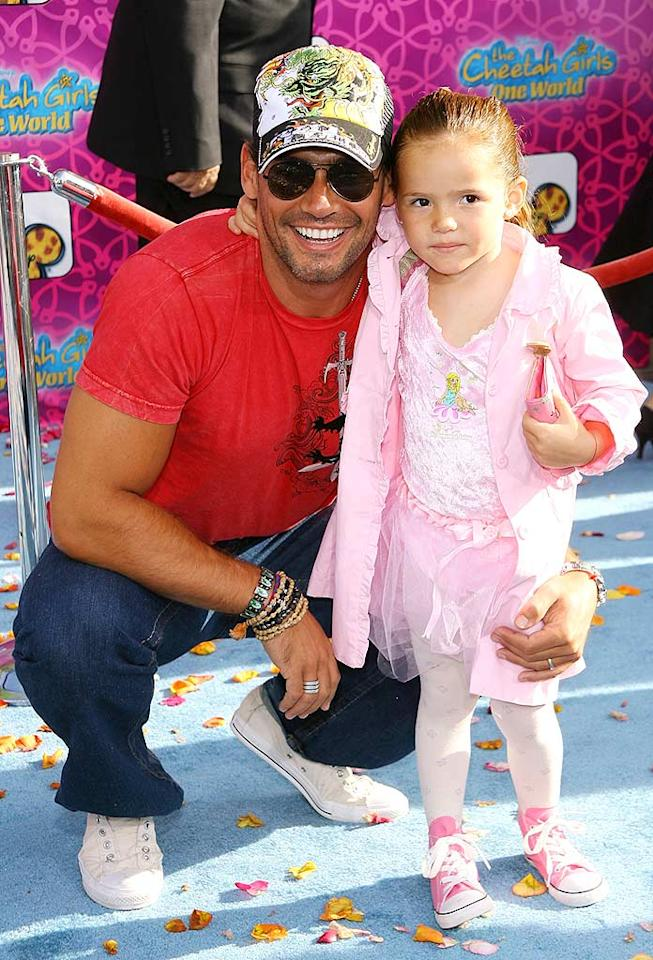 """In Plain Sight"" hunk Cristian de la Fuente poses with his adorable daughter Laura. Michael Tran/<a href=""http://www.filmmagic.com/"" target=""new"">FilmMagic.com</a> - August 12, 2008"