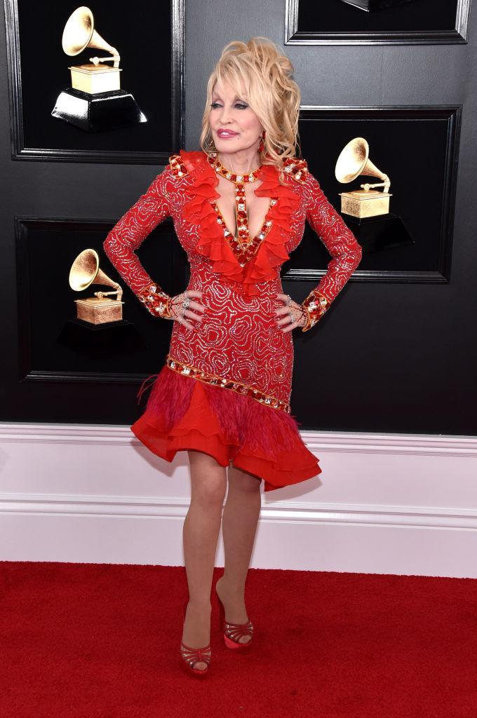 <p>Dolly Parton si mantiene in gran forma, a 73 anni dì età (Photo by John Shearer/Getty Images for The Recording Academy) </p>