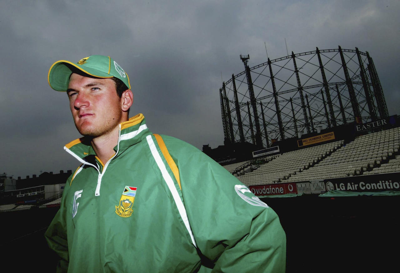 LONDON - JUNE 27:  Graeme Smith of South Africa looks on during the South Africa nets session at The Oval on June 27, 2003 in London. (Photo by Clive Rose/Getty Images).