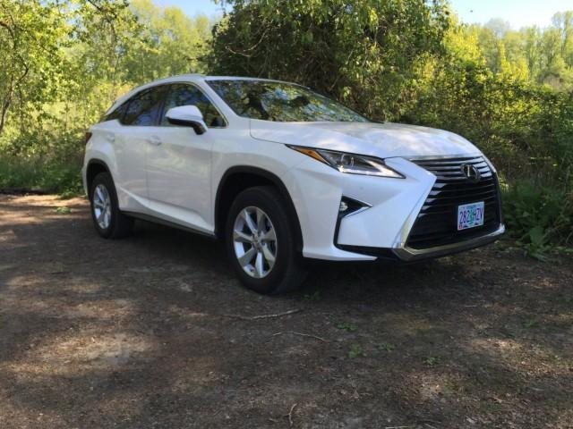 <p>Lexus RX 350 two-wheel-drive SUV<br>(The Car Connection) </p>