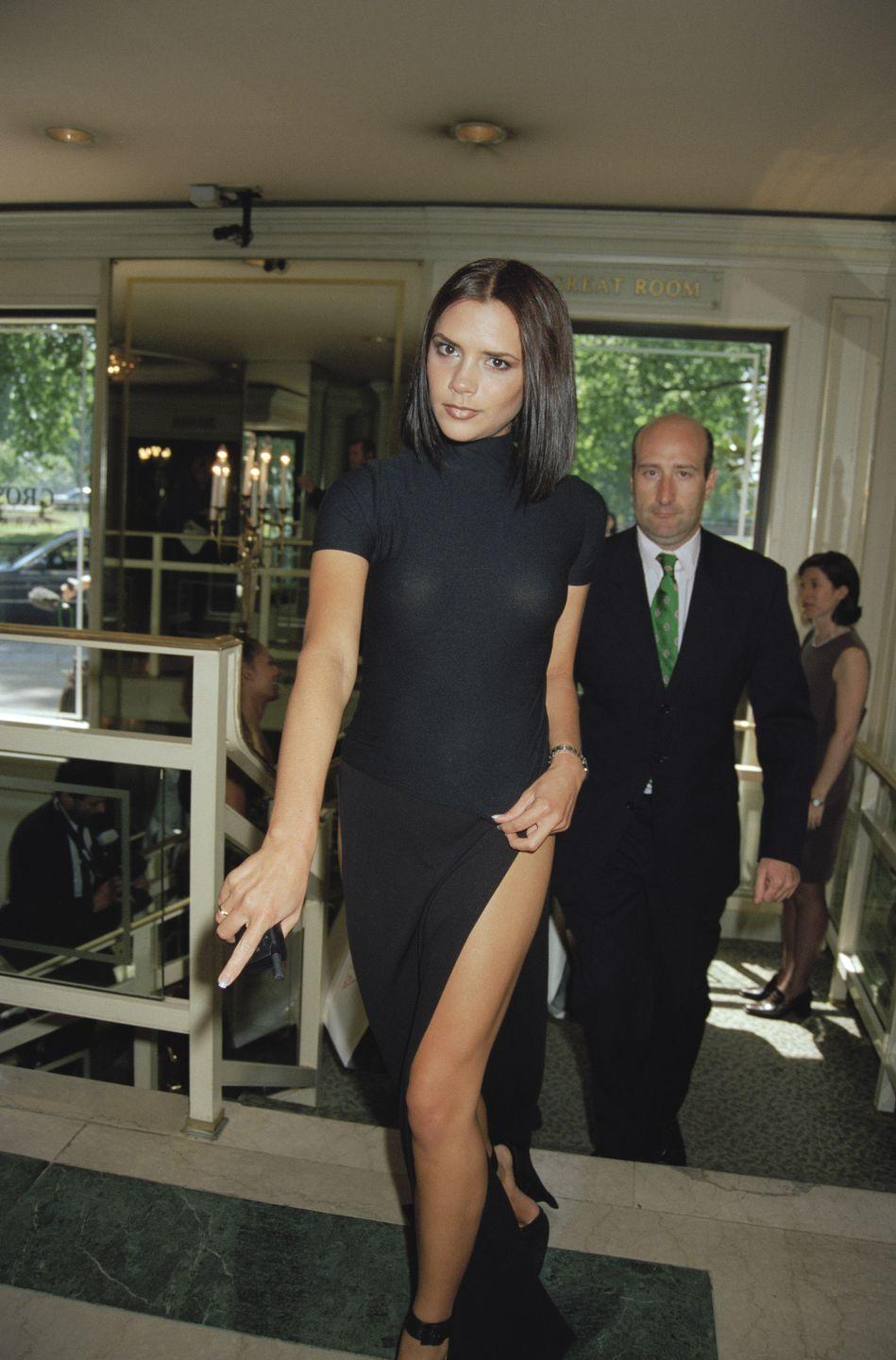 <p>Before she was Victoria Beckham, she had this cell phone.</p>