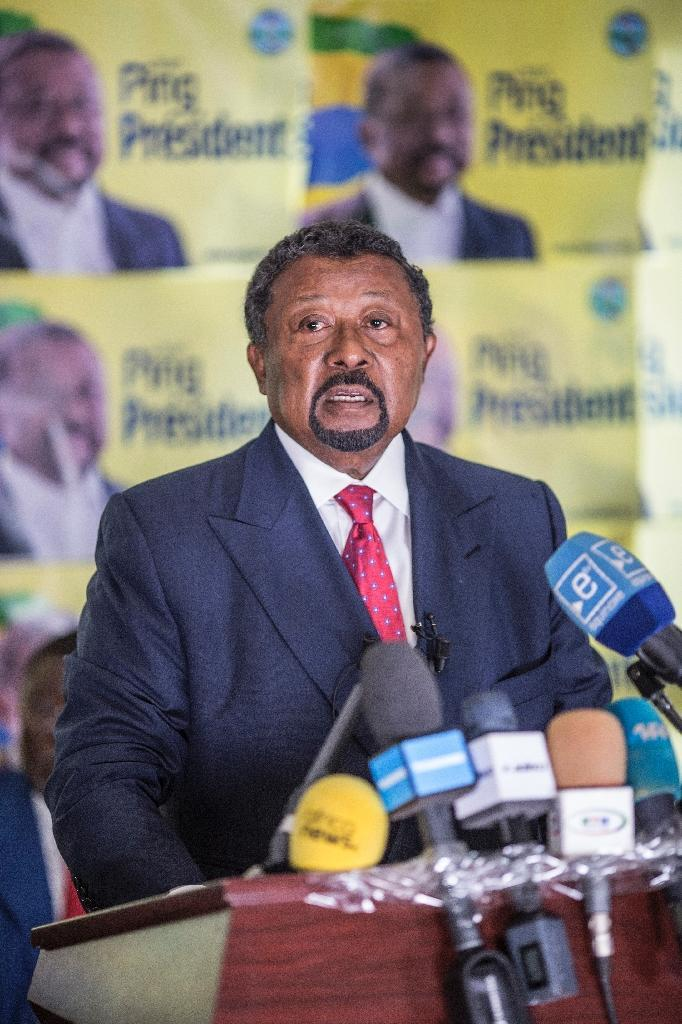 Gabonese opposition leader Jean Ping says President Ali Bong cheated in the polls (AFP Photo/Marco Longari)