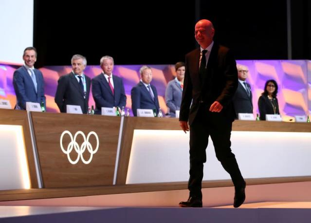 FILE PHOTO: FIFA president Infantino arrives to give oath after his election as IOC member in Lausanne