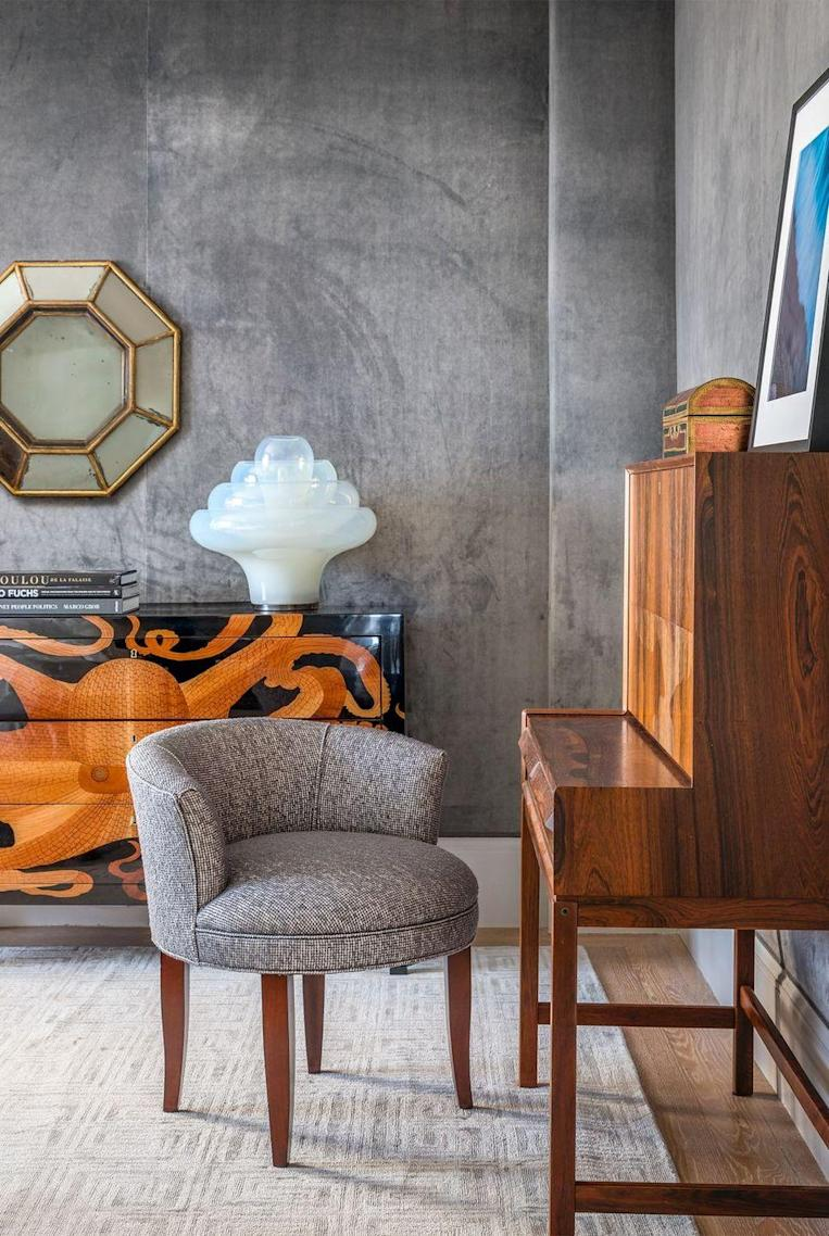 """<p>When installed over cotton padding, the silk velvet Designer's Guild fabric in this room by <a href=""""https://www.alisonpickart.com/"""" rel=""""nofollow noopener"""" target=""""_blank"""" data-ylk=""""slk:Alison Pickart"""" class=""""link rapid-noclick-resp"""">Alison Pickart</a> is even more decadent —and also deadens, which is ideal for a cozy bedroom. </p>"""