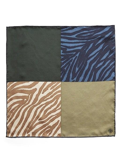 <p>While they're often not for everyone (or every day), we love that this <span>Banana Republic Zebra 4-in-1 Pocket Square</span> ($30) can let any of the four styles peek out as desired. </p>