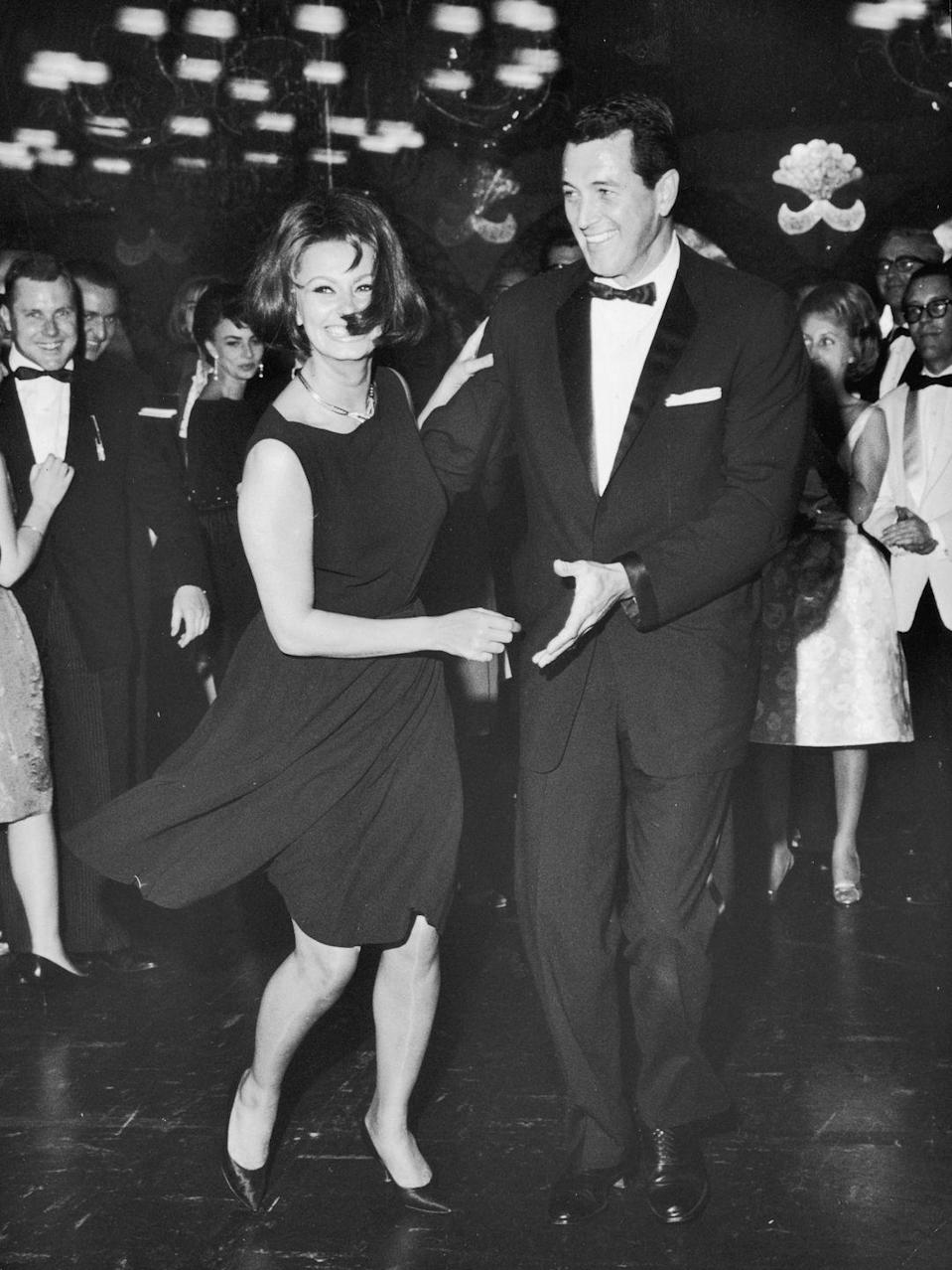 <p>At an event, Hudson danced with famed actress Sophia Loren on a crowded dance floor. </p>