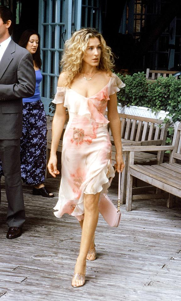 8. Carrie should have met Big anywhere but the Central Park boathouse to discuss their status during the second season. Why? Because her ruffled Richard Tyler dress, Louis Vuitton handbag, and vintage shoes took a swim when the dynamic duo accidentally plunged into the pond.