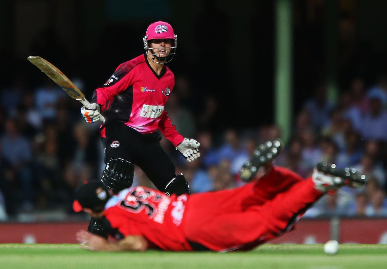SYDNEY, AUSTRALIA - JANUARY 09:  Will Daniel Hughes of the Sixers bats during the Big Bash League match between the Sydney Sixers and the Melbourne Renegades at SCG on January 9, 2013 in Sydney, Australia.  (Photo by Brendon Thorne/Getty Images)