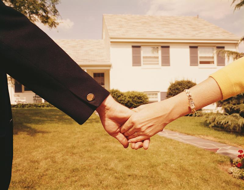 My Boyfriend Is Rich and I'm Not. Should I Let Him Pay the Rent?