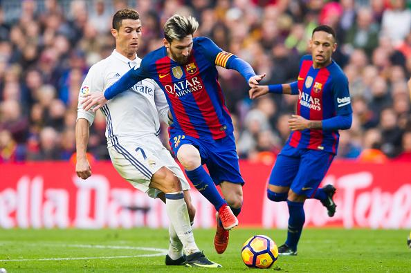 The official game of the Spanish league allows you to play as Cristiano Ronaldo or Lionel Messi in an app that combines puzzles and role-playing