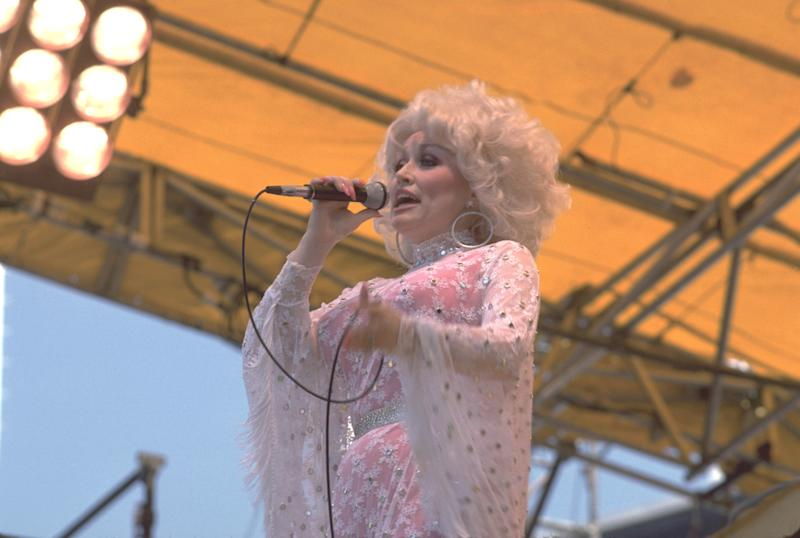 Dolly Parton 1978 (Photo by Chris Walter/WireImage)