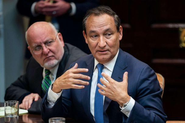 PHOTO: United Airlines CEO Oscar Munoz speaks to President Donald Trump during a meeting between the president and airline CEO's to discuss the coronavirus outbreak in the Roosevelt Room of the White House, in Washington, March 4, 2020. (Jim Lo Scalzo/EPA via Shutterstock)