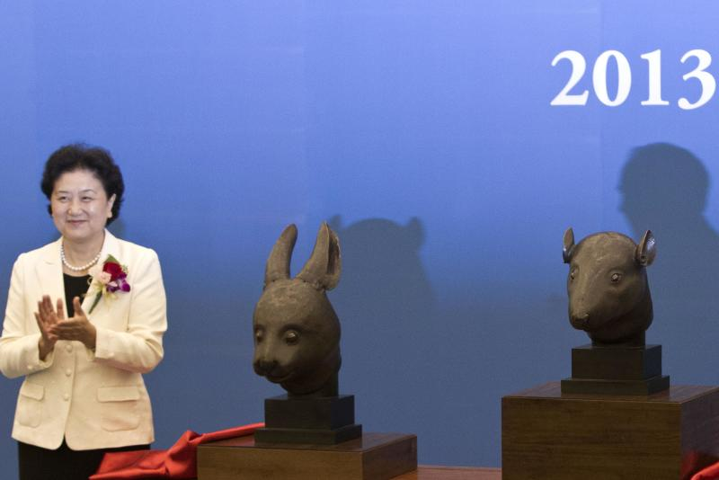 Bronzes looted from Beijing palace return to China