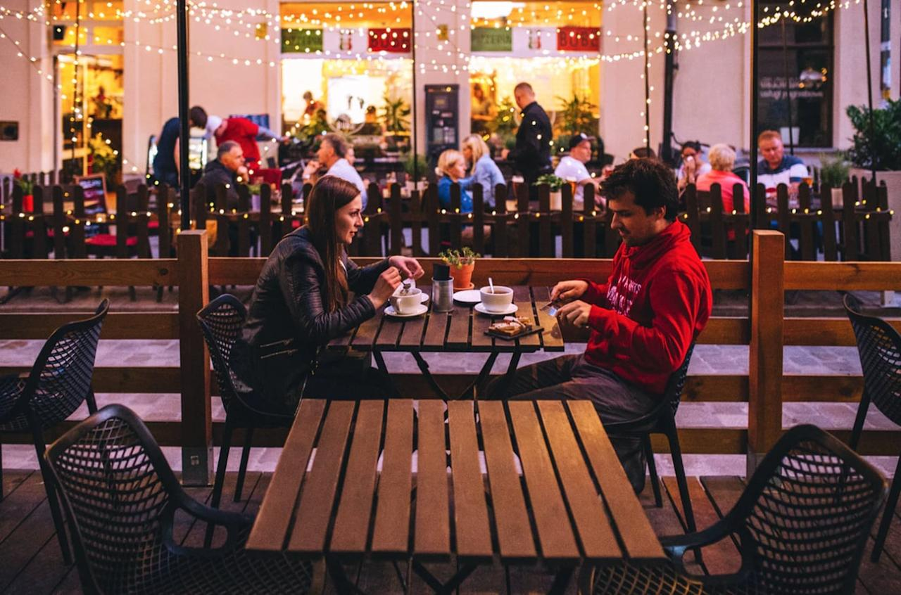 <p>Have you ever been on a date where the other person talked relentlessly about themselves the entire time? If so, you got Kanye'd. Plenty of Fish reports that 45 percent of singles have experienced one-sided conversations like this on dates.</p>