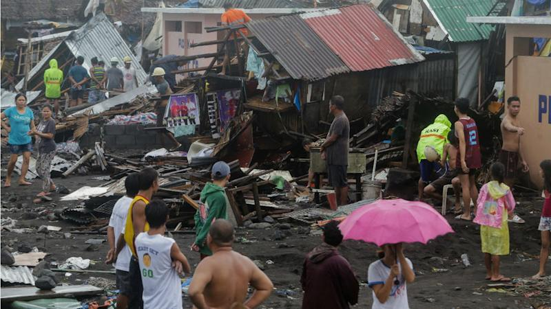 Deadly Typhoon Kammuri pummels Philippines, forces closure of Manila airport