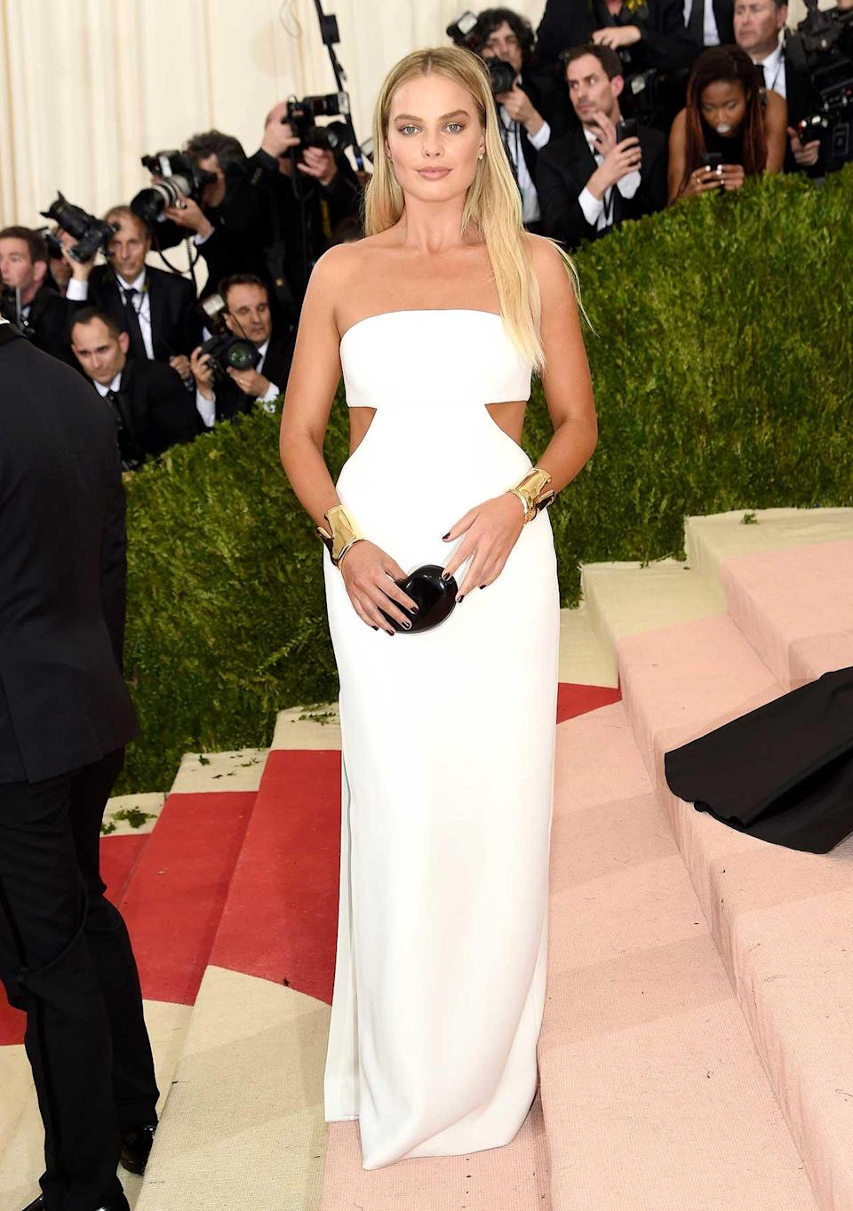 """<h2>In Calvin Klein</h2> <p>At the Met Gala in New York City, 2016</p> <h4>Getty Images</h4> <p> <strong>Related Articles</strong> <ul> <li><a rel=""""nofollow noopener"""" href=""""http://thezoereport.com/fashion/style-tips/box-of-style-ways-to-wear-cape-trend/?utm_source=yahoo&utm_medium=syndication"""" target=""""_blank"""" data-ylk=""""slk:The Key Styling Piece Your Wardrobe Needs"""" class=""""link rapid-noclick-resp"""">The Key Styling Piece Your Wardrobe Needs</a></li><li><a rel=""""nofollow noopener"""" href=""""http://thezoereport.com/fashion/shopping/everything-need-let-zoe-giveaway/?utm_source=yahoo&utm_medium=syndication"""" target=""""_blank"""" data-ylk=""""slk:Everything You Need From Our Let It Zoe Giveaway"""" class=""""link rapid-noclick-resp"""">Everything You Need From Our Let It Zoe Giveaway</a></li><li><a rel=""""nofollow noopener"""" href=""""http://thezoereport.com/beauty/celebrity-beauty/josephine-skriver-makeup-tutorial-video-vogue/?utm_source=yahoo&utm_medium=syndication"""" target=""""_blank"""" data-ylk=""""slk:A Victoria's Secret Model Shows Us How To Get Our Lips To Her Level"""" class=""""link rapid-noclick-resp"""">A Victoria's Secret Model Shows Us How To Get Our Lips To Her Level</a></li> </ul> </p>"""