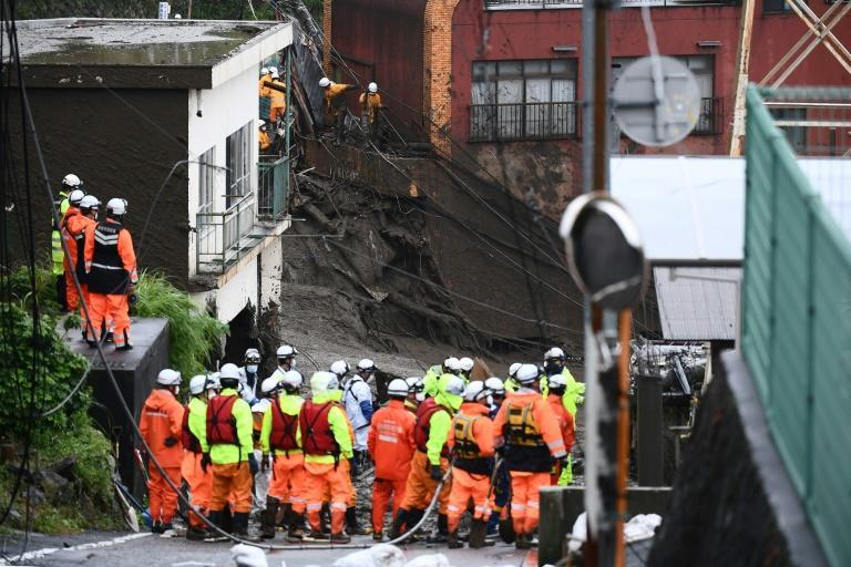 Rescue operations resumed on Sunday with 1,000 workers, an official said