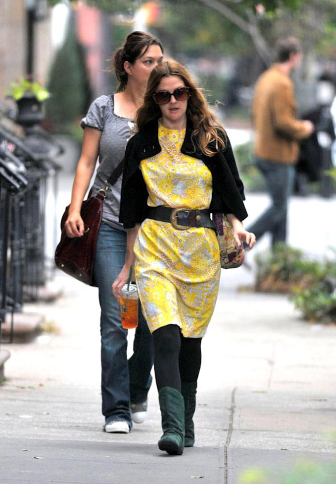 """Few woman look good in yellow. Drew Barrymore is not one of those women. Edward Opinaldo/<a href=""""http://www.pacificcoastnews.com/"""" target=""""new"""">PacificCoastNews.com</a> - September 22, 2008"""