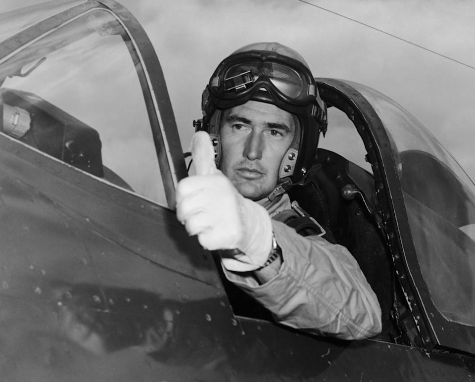 American baseball player Ted Williams (1918 - 2002) of the Boston Red Sox serves in the United States Marine Corps during the Korean War, circa 1952. (Photo by FPG/Hulton Archive/Getty Images)