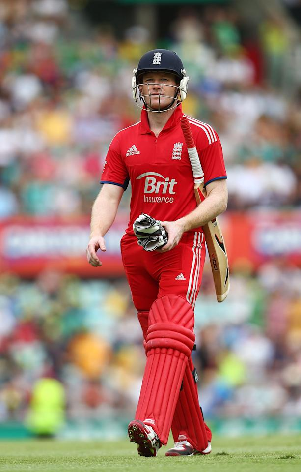 SYDNEY, AUSTRALIA - JANUARY 19:  Eoin Morgan of England walks from the field after being dismissed, Morgan stood his ground and disputed a catch by Daniel Christian of Australia during game three of the One Day International Series between Australia and England at Sydney Cricket Ground on January 19, 2014 in Sydney, Australia.  (Photo by Mark Nolan/Getty Images)