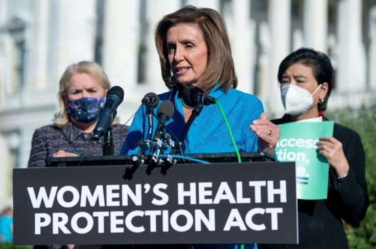 US Speaker of the House Nancy Pelosi and other Democrats seek to pass legislation protecting women's reproductive rights but congressional Republicans have sufficent numbers to block it (AFP/SAUL LOEB)