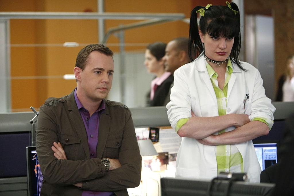 "The entire ""NCIS"" team is looking for a way to #FreeGibbs from the federal investigation."