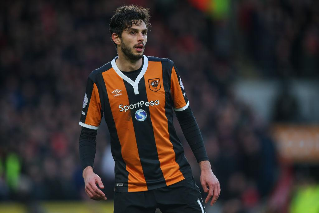 <p>Il difensore Andrea Ranocchia è ormai da qualche settimana in Premier League, dopo il prestito dall'Inter alla squadra arancio-nero dell'Hull City. Il bilancio è positivo nelle sette presenze per ora accumulate (Photo by Robbie Jay Barratt – AMA/Getty Images) </p>