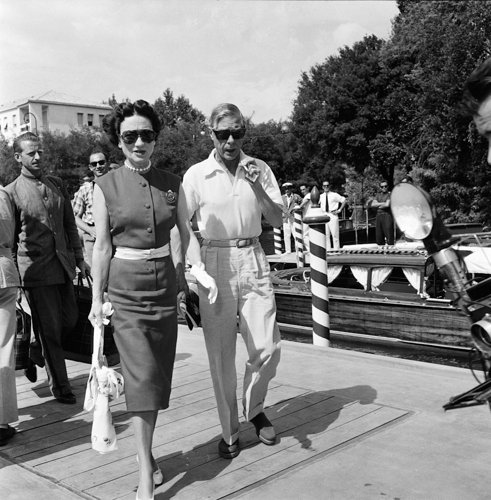 1956 Venice Film Festival, Friday 31st August 1956; pictured is Duke and Duchess of Windsor, Prince Edward and Wallis Simpson, alight at Excelsior landing stage from Venice. (Photo by Bob Hope/Mirrorpix via Getty Images)