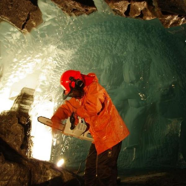 Science in Ice: Lab Operates Inside a Glacier