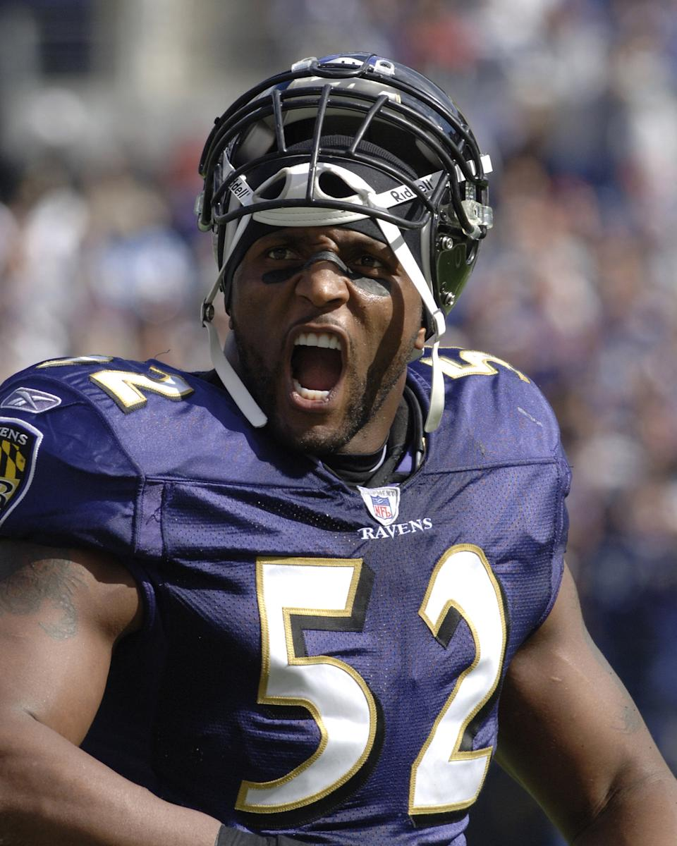 Baltimore Ravens middle linebacker Ray Lewis pumps up his team versus San Diego at M&T Bank Stadium, Baltimore, Maryland, October 1, 2006. The Ravens won 16-13. (Photo by Al Messerschmidt/Getty Images)