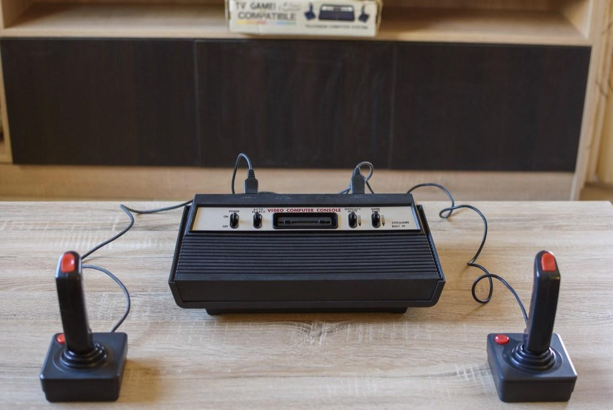 """<span style=""""font-weight:400;"""">It might look downright antiquated today, but any child of the '70s will always be nostalgic for Pong. That's because this two-dimensional video game, which was <a href=""""http://www.computinghistory.org.uk/det/4007/Atari-PONG/"""" target=""""_blank"""">released by Atari</a> in 1972, was one of the first of its kind. It was <em>literally</em> a game-changer.</span>  <span style=""""font-weight:400;"""">Though it was meant to be a computerized </span><span style=""""font-weight:400;"""">version of table tennis, the game basically just involved a white dot slowly bouncing back and forth between two white lines (the paddles). The distinctive </span><a href=""""https://www.youtube.com/watch?v=fiShX2pTz9A"""" target=""""_blank""""><span style=""""font-weight:400;"""">sounds of a <em>Pong</em> game</span></a><span style=""""font-weight:400;""""> can still hypnotize any '70s kid.</span>"""