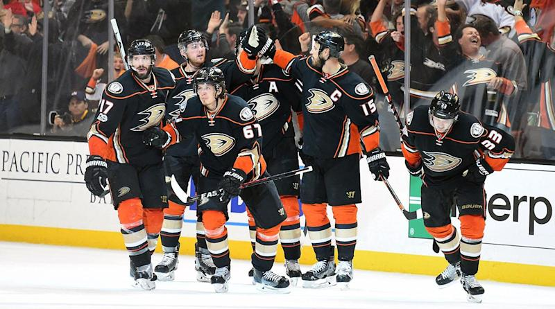 Anaheim Ducks Rally Back In Three Minutes For Amazing Comeback
