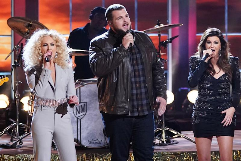 Jake Hoot singing with Little Big Town   Tyler Golden/NBC