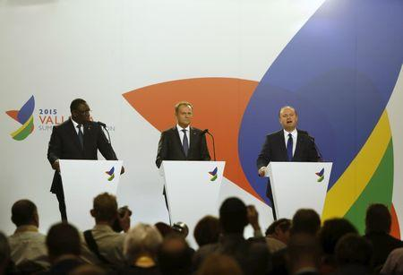 (L to R) President Macky Sall of Senegal, European Council President Donald Tusk and Maltese Prime Minister Joseph Muscat address a press conference at the end of the Valletta Summit on Migration in Valletta, Malta, November 12, 2015. REUTERS/Darrin Zammit Lupi