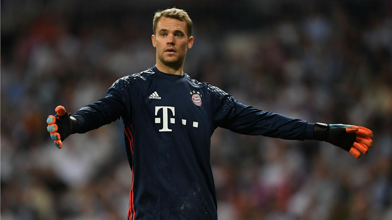 Germany's back-up goalkeepers are living in the shadow of Bayern Munich stopper Manuel Neuer, according to Oliver Kahn.