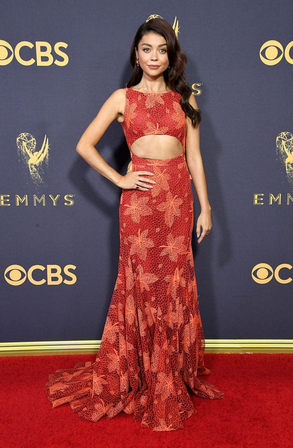 <p>The young <em>Modern Family </em>actress dared to bare her midriff in this autumnal Zac Posen number. </p>