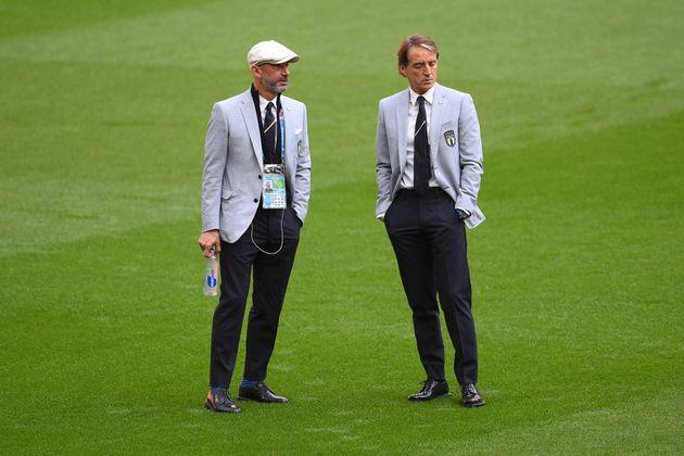 LONDON, ENGLAND - JUNE 26: Gianluca Vialli, Delegation Chief of Italy and Roberto Mancini, Head Coach of Italy speak as they inspect the pitch prior to the UEFA Euro 2020 Championship Round of 16 match between Italy and Austria at Wembley Stadium at Wembley Stadium on June 26, 2021 in London, England. (Photo by Laurence Griffiths/Getty Images) (Photo: Laurence Griffiths via Getty Images)