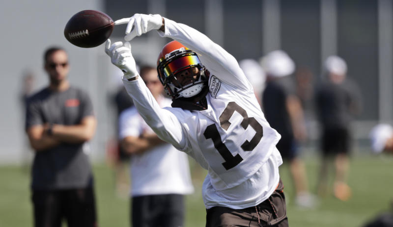 A woman who says she's Cleveland Browns receiver Odell Beckham Jr.'s biggest fan had a chance meeting with him over the weekend. (AP)