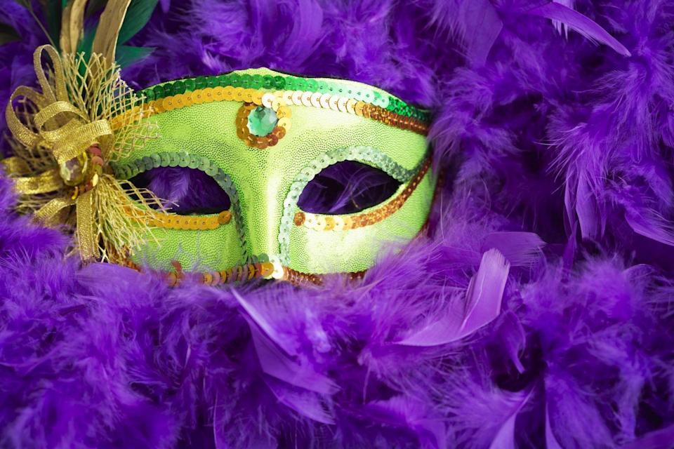<p>Green represents faith, gold symbolizes power, and purple is justice.</p>