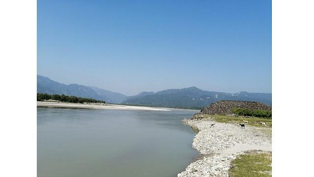 The Koshi river now flows where a human settlement once was. Photo by Birat Anupam/TheThird Pole