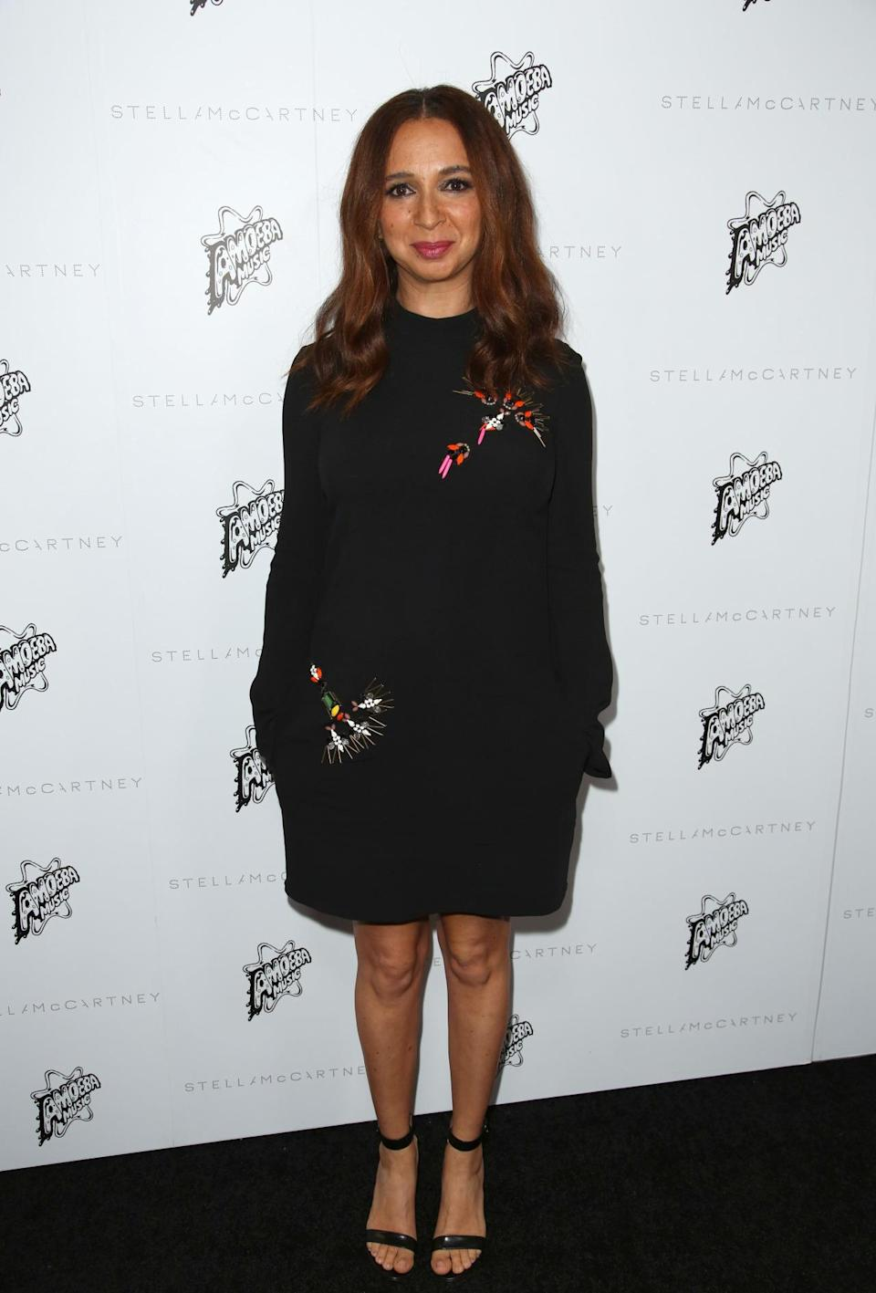 "<p>""Bridesmaids"" actress Maya Rudolph looked gorgeous in an embroidered black dress.<i> [Photo: Rex]</i></p>"