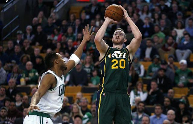 "<a class=""link rapid-noclick-resp"" href=""/nba/players/4724/"" data-ylk=""slk:Gordon Hayward"">Gordon Hayward</a> would bring star power to the <a class=""link rapid-noclick-resp"" href=""/nba/teams/bos/"" data-ylk=""slk:Boston Celtics"">Boston Celtics</a>. (AP)"