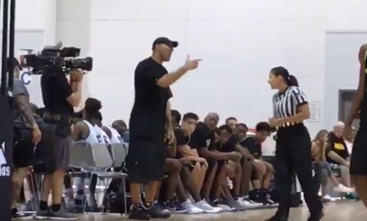 LaVar Ball argues with a referee at an AAU event on Friday. (Screenshot: @Overtime on Twitter)