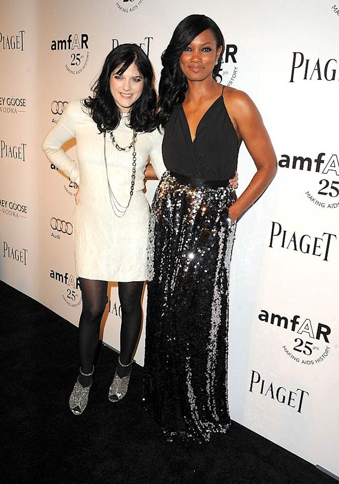"""Actresses Selma Blair (""""Legally Blonde"""") and Garcelle Beauvais (""""Franklin & Bash"""") popped a pose together on the red carpet. What do you think of the sparkling looks they sported? (10/27/2011)"""