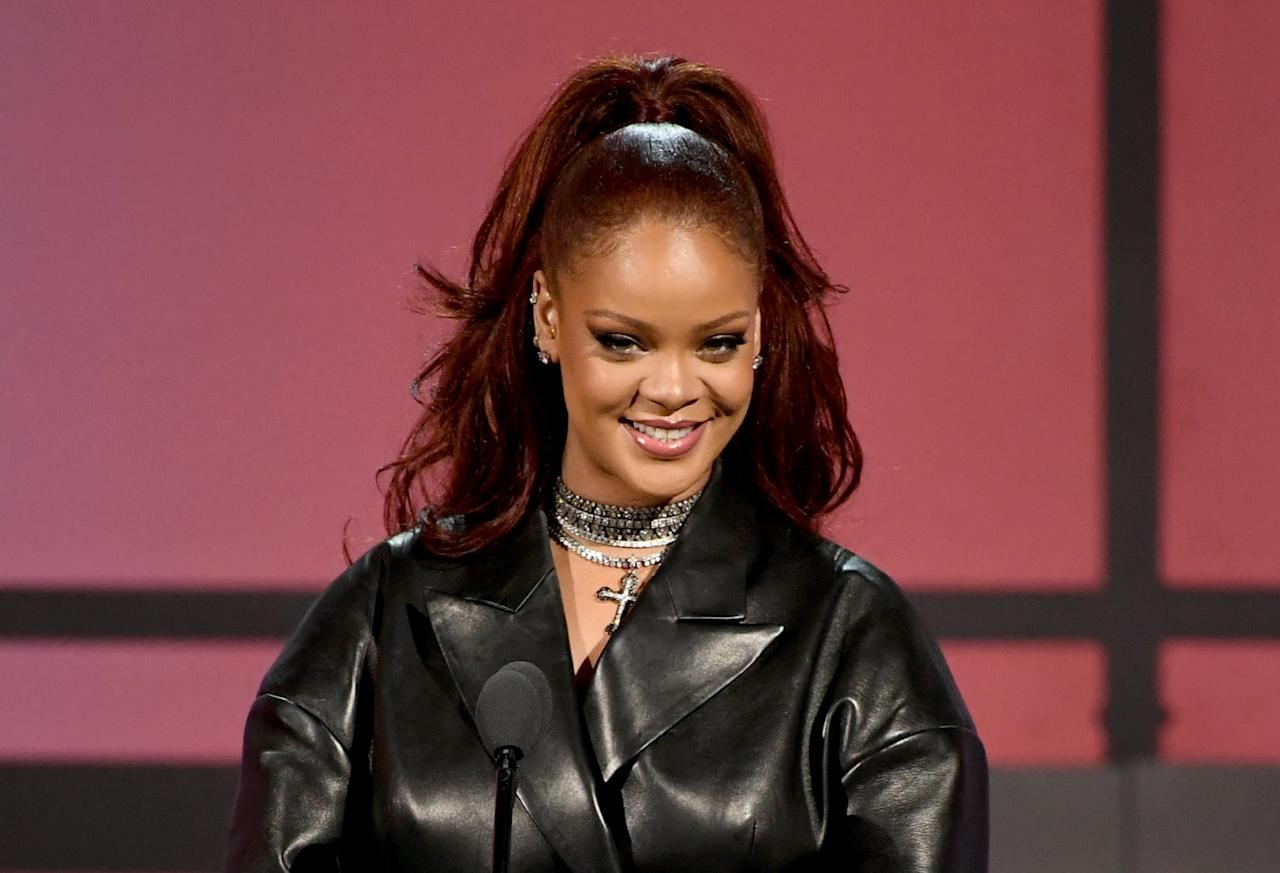 """<p>When we saw that <a class=""""sugar-inline-link ga-track"""" title=""""Latest photos and news for Rihanna"""" href=""""https://www.popsugar.com/Rihanna"""" target=""""_blank"""" data-ga-category=""""Related"""" data-ga-label=""""https://www.popsugar.com/Rihanna"""" data-ga-action=""""&lt;-related-&gt; Links"""">Rihanna</a> was wearing the spicy ginger trend in <a href=""""https://www.popsugar.com/beauty/Rihanna-Red-Hair-2019-46297227"""" class=""""ga-track"""" data-ga-category=""""Related"""" data-ga-label=""""https://www.popsugar.com/beauty/Rihanna-Red-Hair-2019-46297227"""" data-ga-action=""""In-Line Links"""">June</a>, we almost ran out immediately to copy her.</p>"""