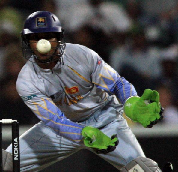 JOHANNESBURG, SOUTH AFRICA - SEPTEMBER 18: Kumar Sangakkara of Sri Lankawatches the ball as he keeps wicket at The Wanderers Cricket Ground during The ICC World Twenty20 Championship on September 18, 2007 in Johannesburg, South Africa. (Photo by Julian Herbert/Getty Images)
