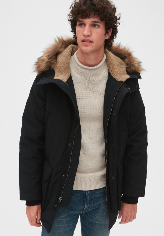 Available in Black and Green. Image via GAP.