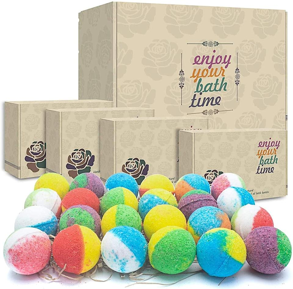 <p><span>24 Organic &amp; Natural Bath Bombs</span> ($22, originally $26)</p>